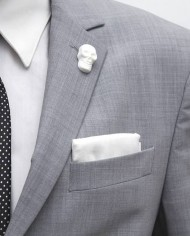 WhiteSkullLapel1