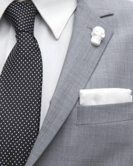 WhiteSkullLapel2