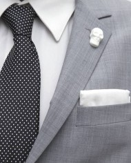 WhiteSkullLapel3